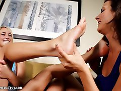 Amateur Blonde Foot Fetish MILF Pornstar