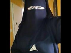 Arab Upskirt Voyeur
