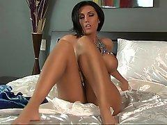 Babe Big Tits Brunette Masturbation