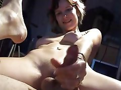 Amateur Close Up Cumshot Handjob