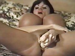 MILF Brunette Big Boobs Vintage