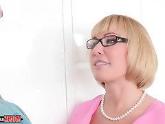 BBW Blowjob Cumshot Glasses Lesbian