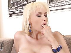 Babe Big Tits Stockings Teen