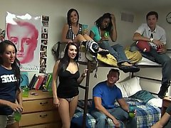 Amateur Coed College Party Reality